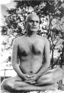 Mota Maharaj sitting in meditation