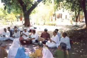 Surat-Ashram-Chanting-1